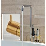 Vola vabalt seisev vannisegisti käsidušiga. Kõrgus 1080 mm. PVD harjatud kuld